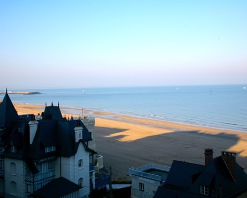 La plage de Trouville Normandie - La Vie de Cocagne