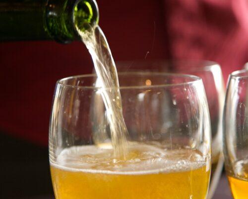 Dégustation de cidre dans la terroir normand - La Vie de Cocagne