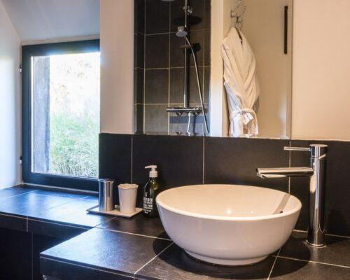 Salle de bains, chambre grise la Vie de Cocagne